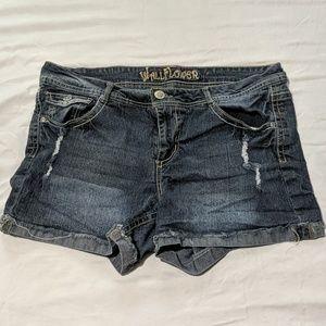 Women's shorts size 14